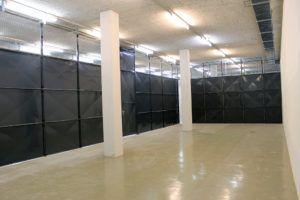 l'intérieur d'une cabine privative dans la nouvelle zone d'entreposage de Harsch à Sévelin